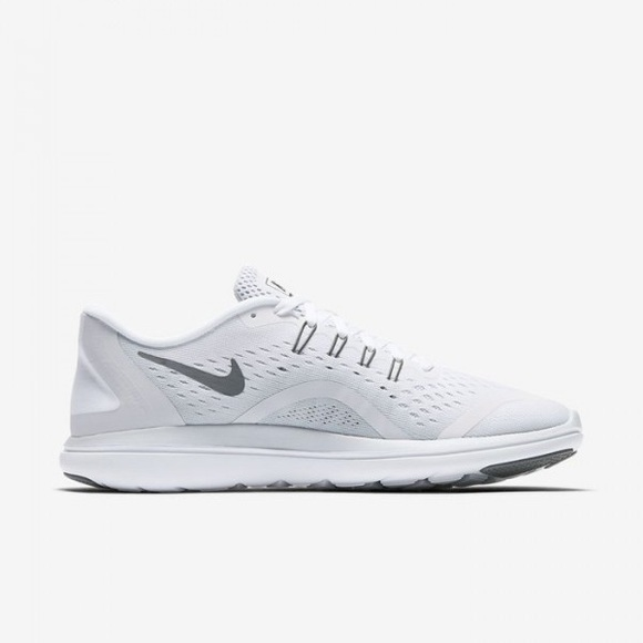 f9c28211ae0b27 NEW Nike Flex 2017 RN Women s Running Shoe. NWT. Nike.  M 5b6cbbabaa877070ed397ca7. M 5b6cbbaa9fe486b501d57892.  M 5b6cb8ba04e33dc3bd5f2835